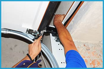 Glen Oaks Garage Door Service Repair Glen Oaks, NY 347-274-8070